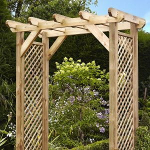 squared lattice arch