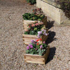 3 alnwick square planters